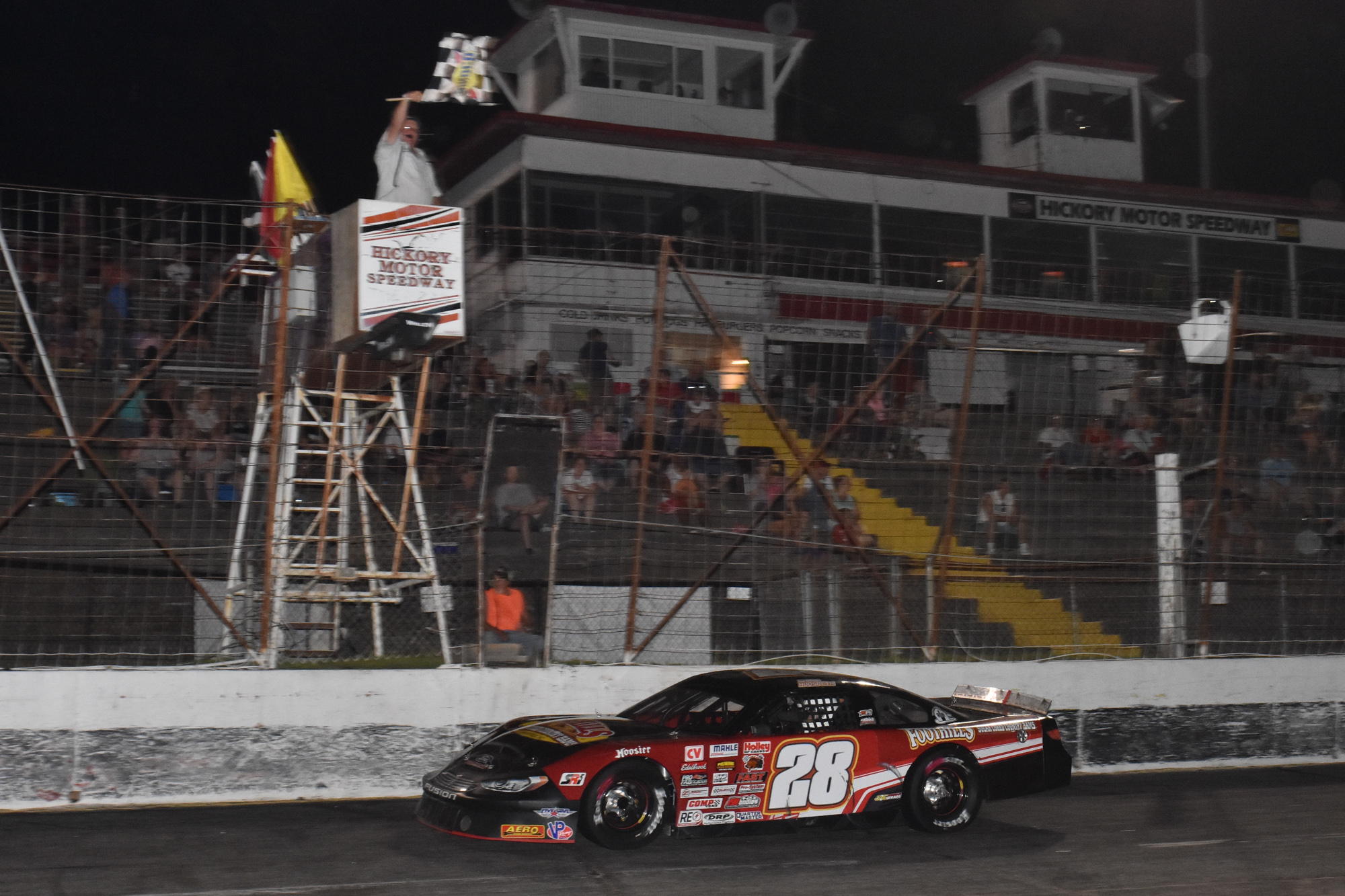 HICKORY MOTOR SPEEDWAY: Canipe, Hudspeth win Late Model races
