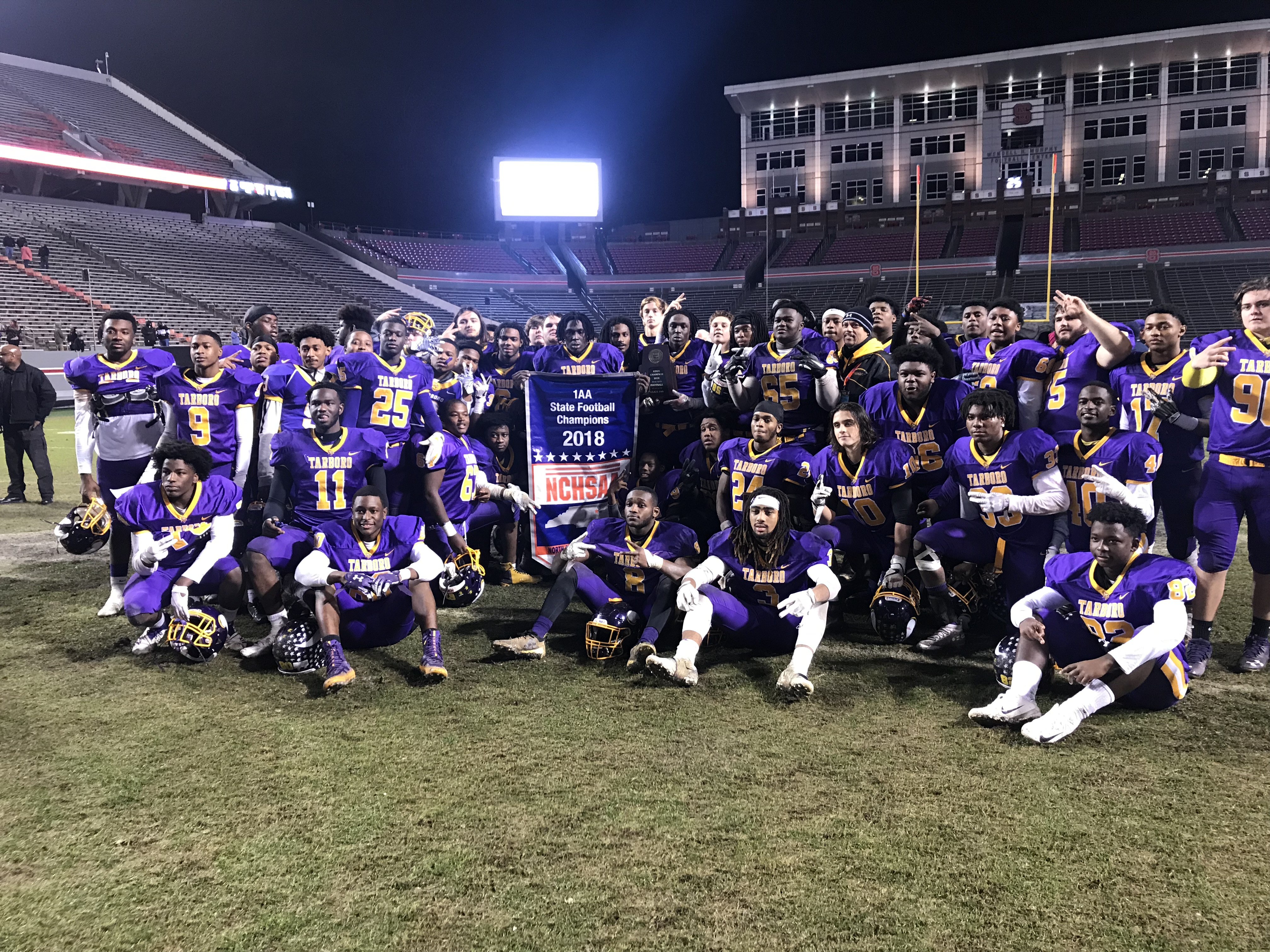 Hs Football State Championships Tarboro Rolls Past E Surry In 1aa